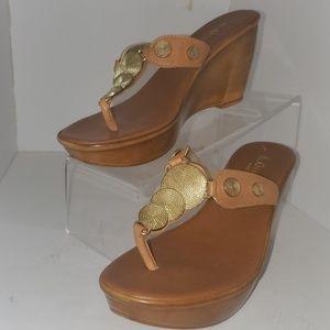 A. Gianetti Italian Leather Sandal tan/gold sz 6